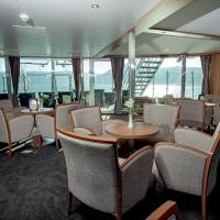 Elegant Evening Lounge