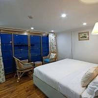 Rajmahal Cruise Ship Single cabin