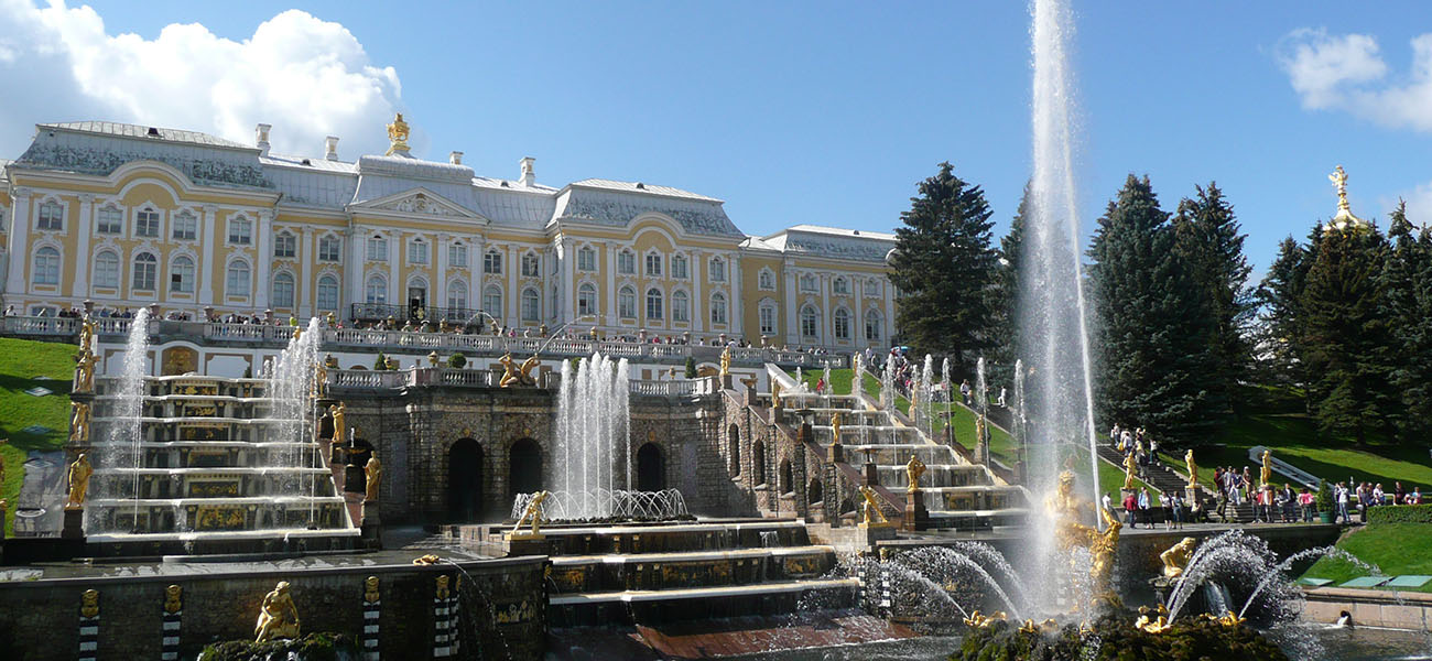 Peterhoff-Fountains-russia